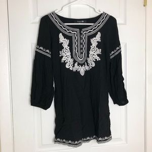 Forever 21 Black Embroidered 3/4 Sleeve Tunic